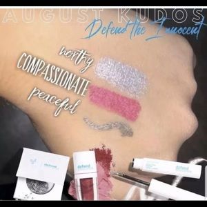 MOODSTRUCK Pressed Shadow, Lip Powder, Eyeliner